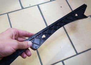 Ein Schiebestock hilft dir beim sicheren Führen deines Werkstückes aus sicherer Distanz.